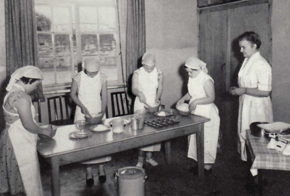 cookery_class_index_1958_sm.jpg