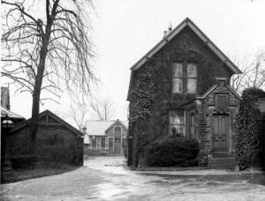 20th April 1937 View showing entrance leading to 'Crooked Acres' which was, and still is owned by Leeds Community and Mental Health Trust.
